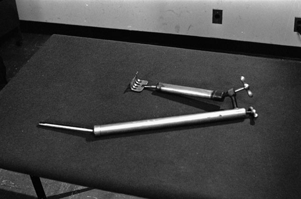 Scapula lifter & retractor invented by Dr. Norman Bethune