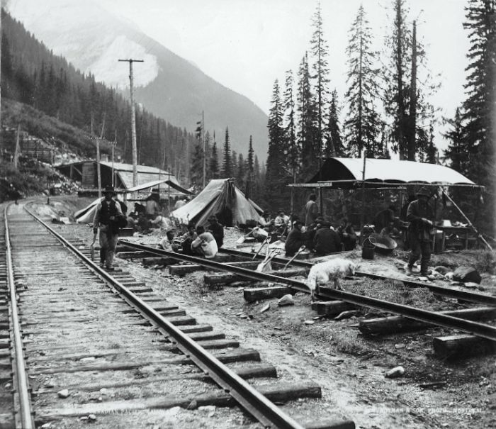 Chinese CPR work gang, Canadian Pacific Railway, tracks near summit, British Columbia