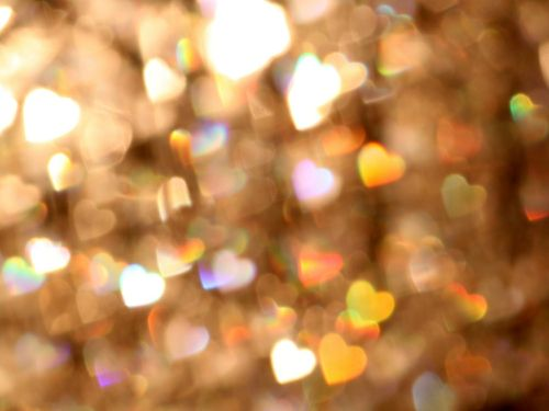 bokeh-hearts-500x375-22kb